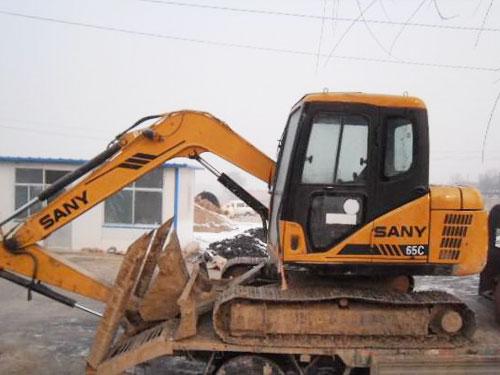 三一挖掘机     sy65